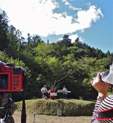 山の棚田-馬頭琴演奏.jpg